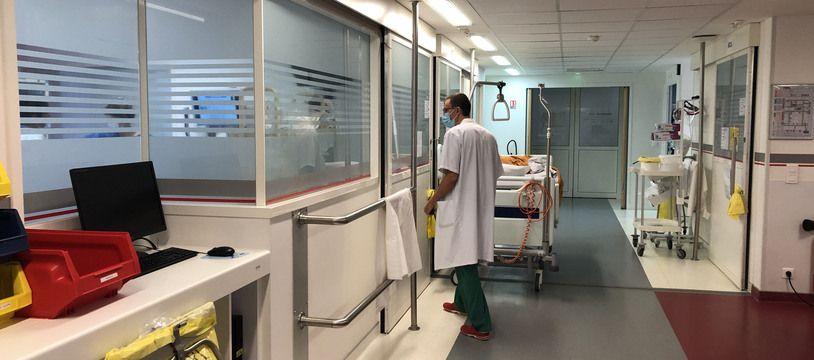 Le service de réanimation de Saint-Joseph compte en temps normal 14 lits. Il est monté à 36 en mars 2020 et il est actuellement à 24 lits de réanimation pour accueillir les patients Covid.