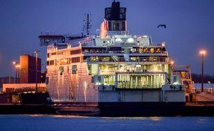 Un ferry dans le port de Calais (Illustration).