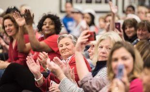 Des femmes applaudissent lors d'une conférence à North Charleston (image d'illustration).