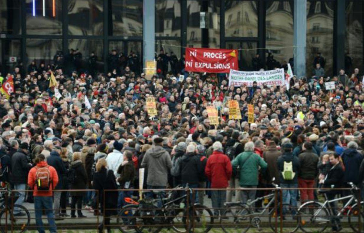 Des opposants au projet d'aéroport de Notre-Dame-des-Landes manifestent à Nantes, le 13 janvier 2016 – JEAN-SEBASTIEN EVRARD AFP