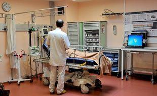 Illustration de la prise en charge d'un patient à l'hôpital.