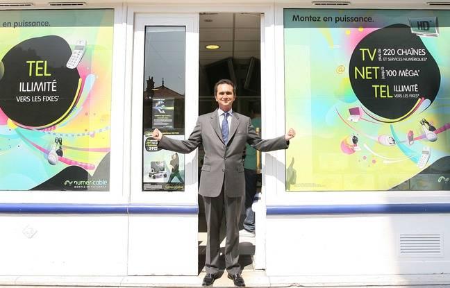 Pierre Danon prend la pose à Neuilly-sur-Seine, lors de sa prise de fonction chez Numericable le 9 juin 2008.