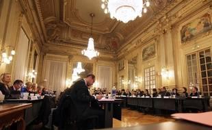Le grand salon de l'Hôtel de ville où se tient le conseil municipal de Rennes.