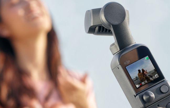 L'écran en façade de la caméra permet d'accéder aux réglages et de contrôler ses cadrages.