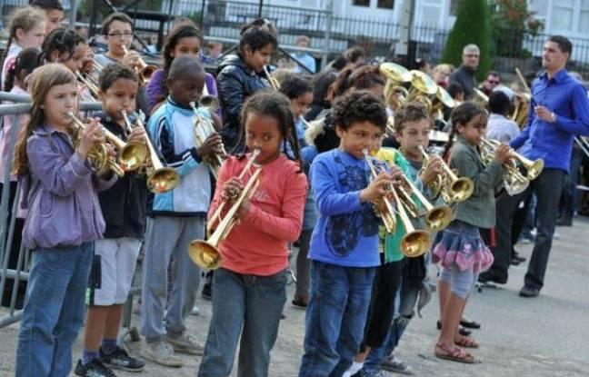 La 31e Fête de la Musique, placée cette année sous le signe des 50 ans de la pop, a été perturbée jeudi par de violents orages, qui ont provoqué l'annulation de plusieurs manifestations surtout dans la moitié nord de la France.