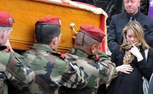 Caroline Chennouf lors des obsèques de son époux Abel Chennouf, assassiné en mars 2012 par Mohamed Merah