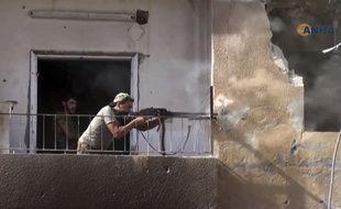 Raqqa (Syrie), le 3 août 2017. Photo extraite d'une vidéo des combats à Raqqa diffusée par Hawar News Agency.