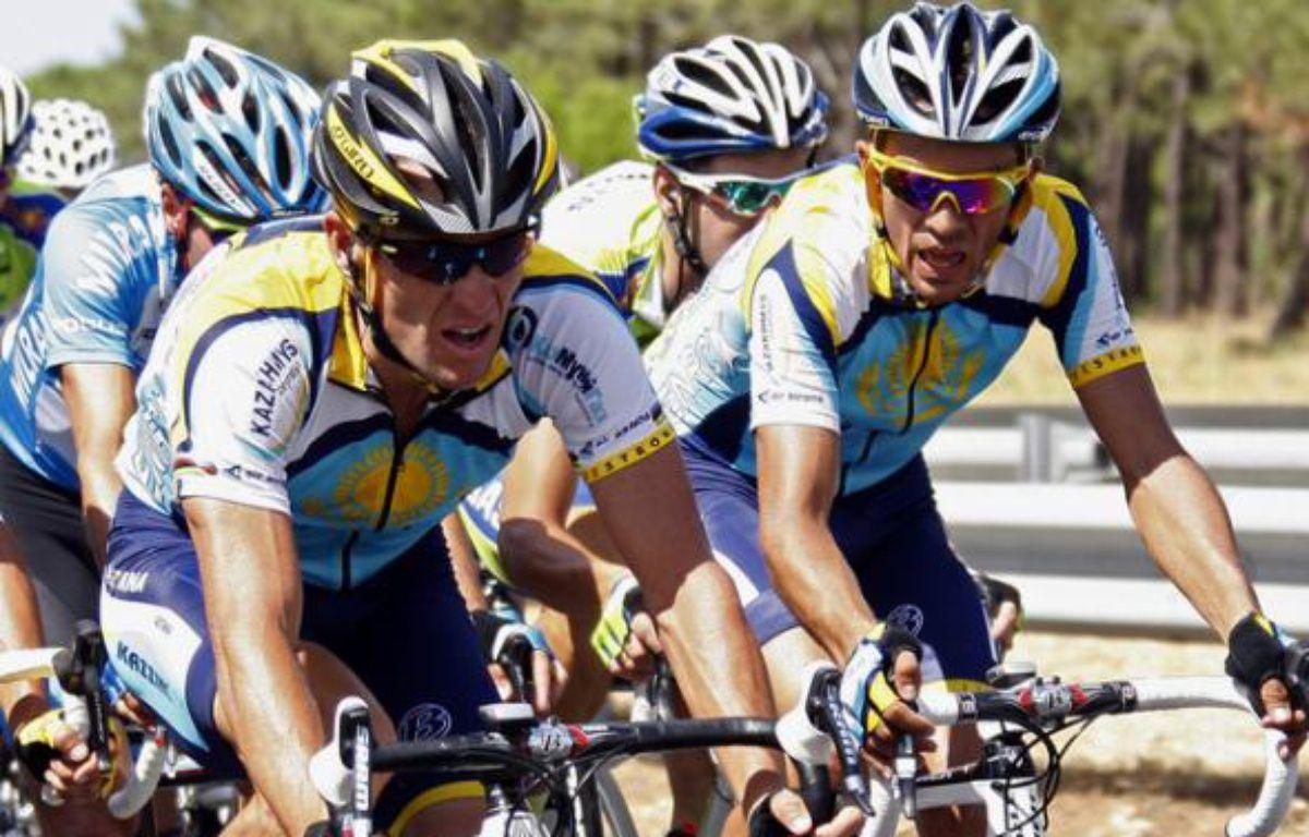 Alberto Contador et Lance Armstrong sur la route du Tour de France, le 8 juillet 2009. – C.Platiau / REUTERS