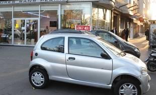 Une voiture sans permis. (Illustration)