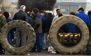 Les deux cadres séquestrés depuis jeudi matin à l'usine Kléber de Toul (Meurthe-et-Moselle), que Michelin va fermer l'an prochain, ont été relâchés dimanche vers 14H00 et ont quitté le site, a constaté une correspondante de l'AFP.