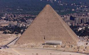 La pyramide de Kheops, en 2000.