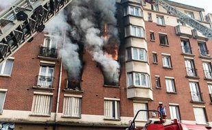 Treize personnes ont été légèrement blessées dans un feu d'immeuble qui s'est déclaré ce samedi 16 février 2019, à Paris.