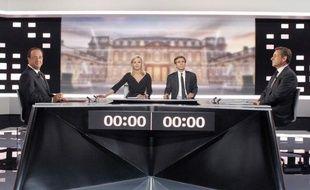 Nicolas Sarkozy et François Hollande se sont livrés durant leur débats à de multiples batailles de chiffres, chacun jouant de sa maîtrise des dossiers pour présenter les statistiques dans le sens favorable à ses thèses.