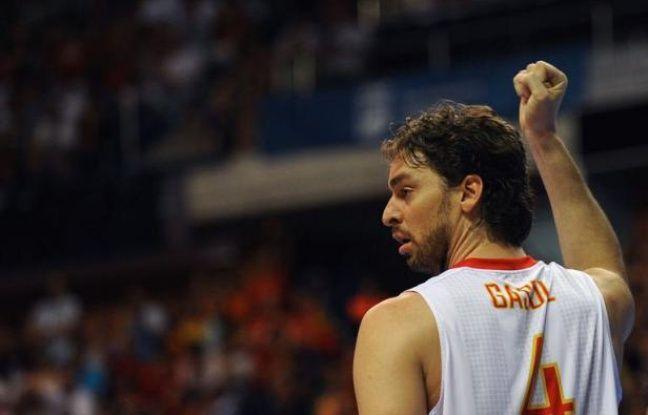 Le basketteur Pau Gasol sera le porte-drapeau de la délégation espagnole aux Jeux de Londres, en remplacement du tennisman Rafael Nadal, contraint au forfait pour les JO par une blessure à un genou, a annoncé vendredi le Comité olympique national.