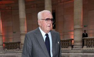 Le couturier Hubert de Givenchy est décédé à l'âge de 91 ans.
