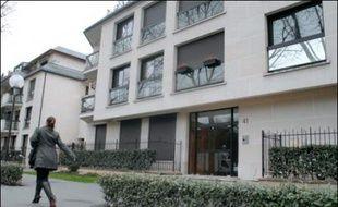 Un particulier, Marc Salomone, a déposé plainte avec constitution de partie civile le 26 mars à Nanterre contre Nicolas Sarkozy à propos de l'affaire concernant l'appartement de ce dernier à Neuilly, qui aurait bénéficié d'un rabais conséquent.