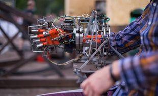 Les makers amateurs se mobilisent pour améliorer la vie des personnes handicapées.