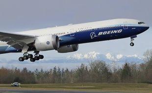 Un prototype de Boeing 777X lors de son vol inaugural à Everett (Etats-Unis), le 25 janvier 2020.