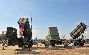 Des systèmes lance-missiles Patriot à la base aérienne américaine d'Osan, en Corée du Sud, le 12 octobre 2008
