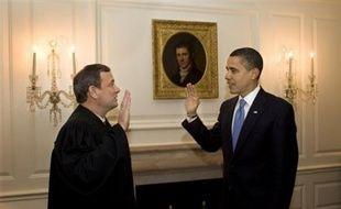 Barack Obama a pris la décision rarissime de prêter le serment de président une deuxième fois mercredi, après un cafouillage la veille lors de la première cérémonie d'investiture en public, a indiqué la Maison Blanche.