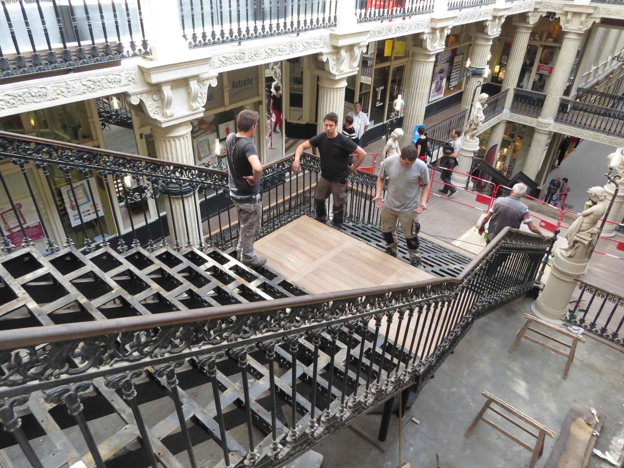 nantes une nouvelle vie pour l escalier du passage pommeraye. Black Bedroom Furniture Sets. Home Design Ideas