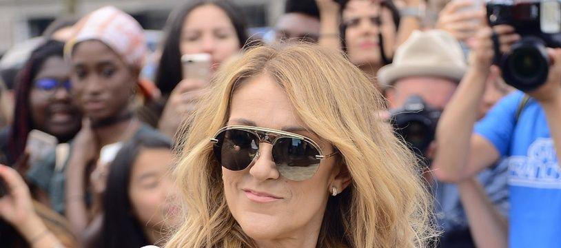 La chanteuse Céline Dion à la Fashion Week Haute Couture de Paris