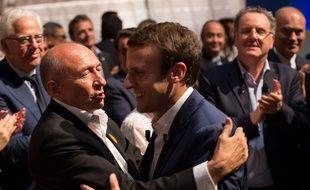 Gérard Collomb, le maire de Lyon et Emmanuel Macron, durant un meeting public à Paris le 12 juillet 2016. ROMUALD MEIGNEUX/SIPA