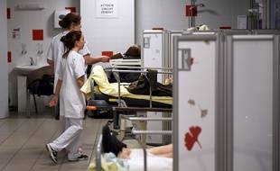 Les urgences sont surchargées par le virus de la grippe.