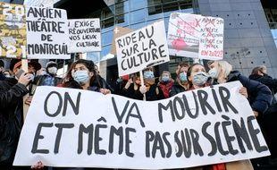 Une manifestation contre la prolongation de la fermeture des lieux culturels, le 15 décembre à Paris.