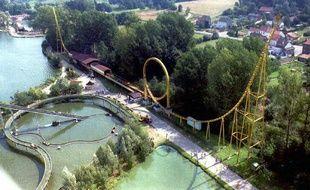 Vue aérienne d'un parc Walibi.