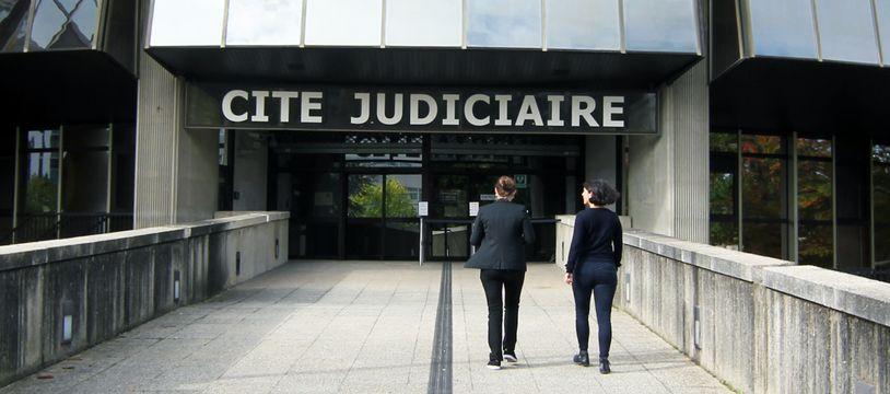 La cité judiciaire de Rennes, qui abrite le tribunal de grande instance.
