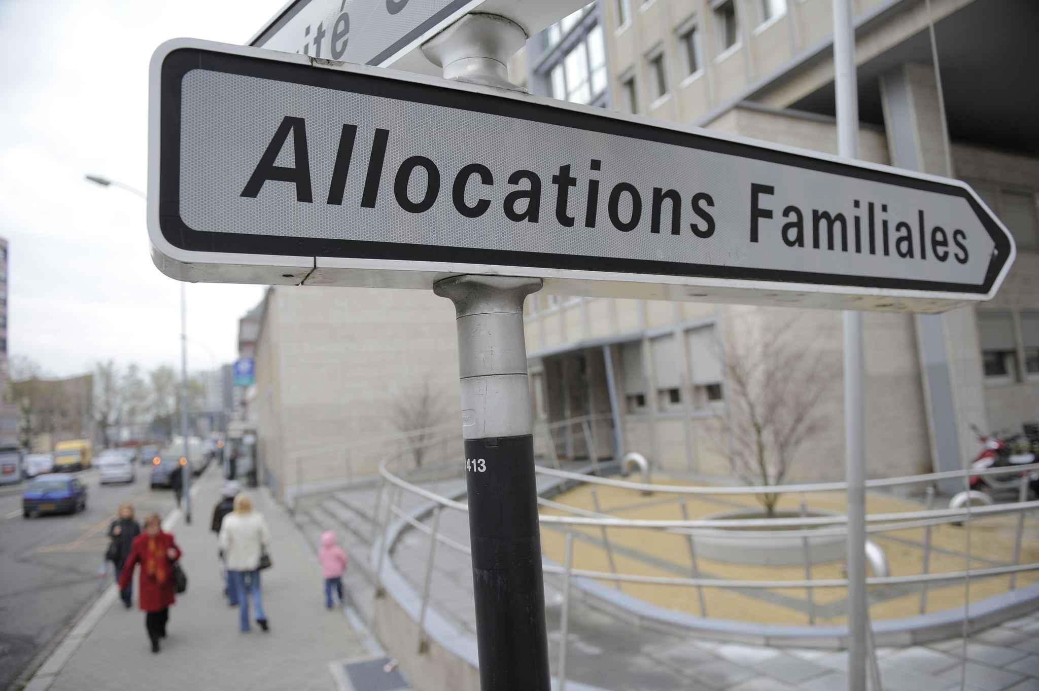 Allocation Familiale: CAF: Débrayage Massif Dans Une Agence De Vendée