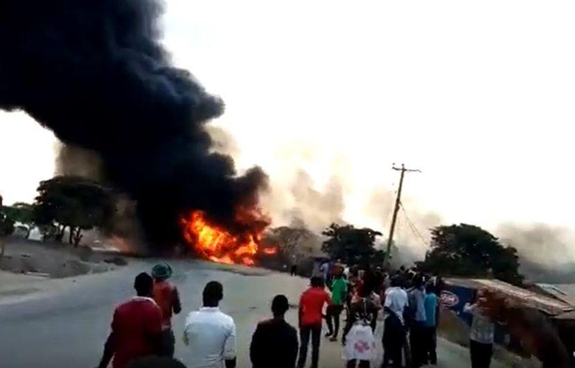Ouganda: Dix-neuf personnes décèdent dans l'explosion d'un camion-citerne