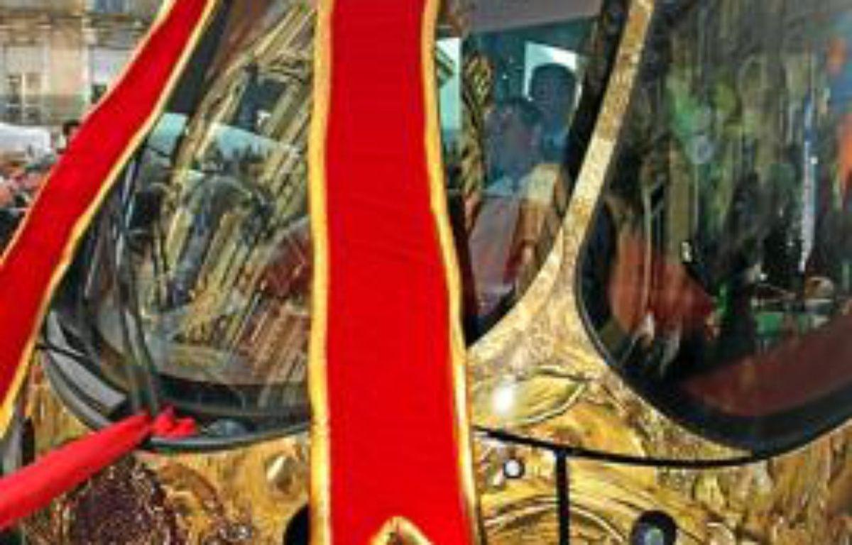La ligne 4 du tram dévoilée au public le 22 décembre, place Saint-Denis. –  DRDRDR