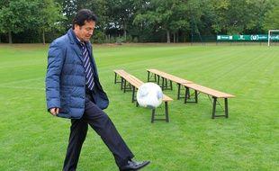 Waldemar Kita en pleine séance de jonglage...