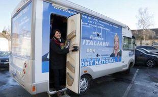 Florence Italiani, la candidate FN dans la 2ème circonscription de l'Oise, à Noaille le 14 mars.