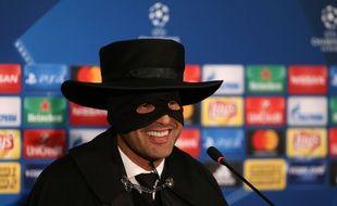 Paulo Fonseca s'était présenté en conférence de presse déguisé en Zorro, il y a tout juste un an, après un succès de prestige contre Manchester City.