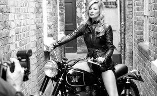 Kate Moss prend la pose pour Matchless London.