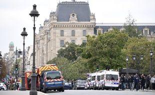 Un homme a agressé à l'arme blanche plusieurs policiers à la préfecture de police de Paris, le 3 octobre 2019.