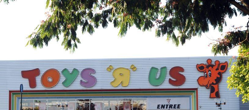 Le magasin Toy'R'Us de la Chapelle-Saint-Aubin, le 10 août 2013.