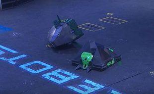 Un combat entre robots.