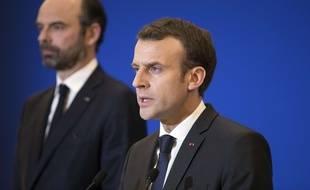 Edouard Philippe et Emmanuel Macron, à Paris, le 23 mars 2018.