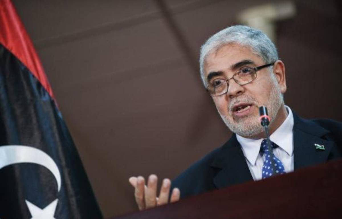 Le technocrate libyen Moustapha Abou Chagour, considéré comme proche des islamistes, a été élu mercredi soir Premier ministre avec comme priorité de rétablir la sécurité en Libye, quelques heures après une attaque à Benghazi qui a fait quatre morts américains dont l'ambassadeur. – Gianluigi Guercia afp.com