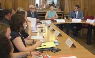 Le rectrice de l'académie de Strasbourg Sophie Béjean (en bleu) préside la commission. Strasbourg le 08 juin 2018. Lcommission