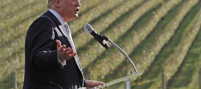 Donald Trump en octobre 2011, dans le vignoble qu'il venait de racheter dans l'Etat de Virginie.