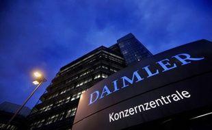Les ventes du constructeur automobile allemand Daimler, pour ses marques Mercedes-Benz et smart confondues, ont atteint un nouveau record historique en 2011 avec 1,36 million de voitures vendues (+7,7% sur un an), malgré une détérioration sur son marché intérieur.