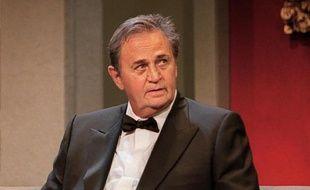 L'acteur Roger Hanin au Théâtre de Marigny à Paris, en 2001