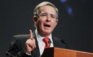 L'ancien président colombien, Alvaro Uribe, le 20 mars 2012, à Lima (Pérou).