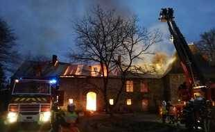 Le manoir était totalement embrasé à l'arrivée des pompiers.