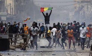 De violentes manifestations se tiennent en ce moment au Sénégal, comme ici à Dakar le 5 mars 2021.